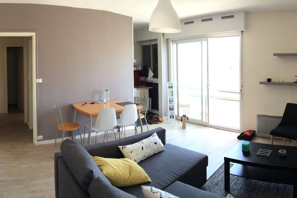 Agr able t2 bordeaux centre appartements louer for Appartement a louer bordeaux centre t2