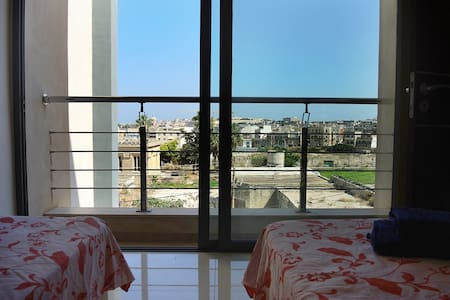 PRIVATE and MODERN ROOM in GZIRA - Flat