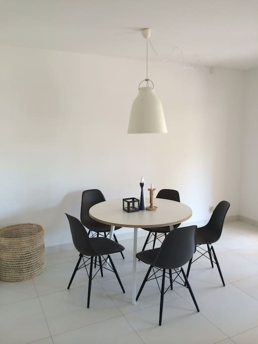 Diningtable for 4-5 persons