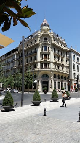 Central, WIFI, AC/heating, historic building - Granada - Apartment