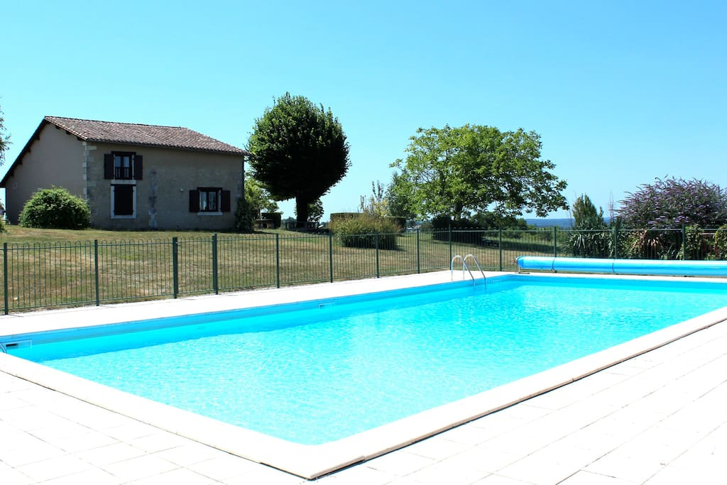 Large 4 x 14 metre pool. Security fenced for children. Diving is allowed