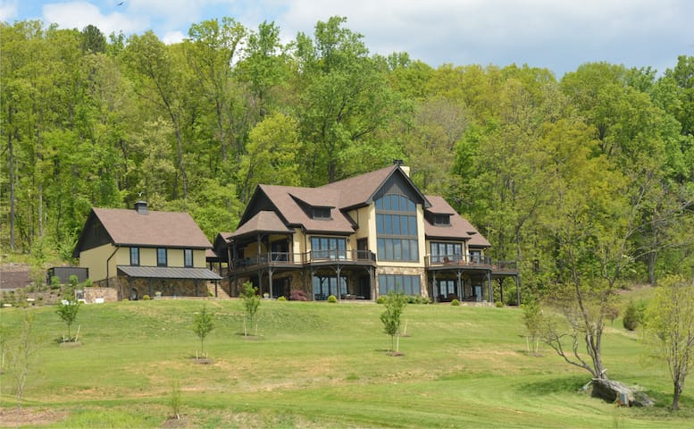 Mountain Estate w/ Pool/Hot tub--Weddings+Events - Afton - Casa