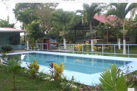 Casa de Playa COSTA RICA - parrita