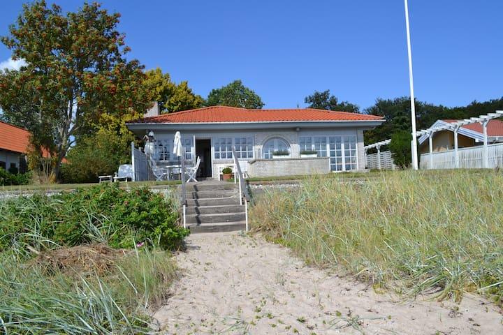 Hyggeligt sommerhus med havudsigt - Haderslev - Hytte