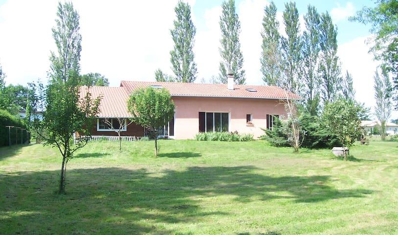Chambre/ds maison agréable/gd esp v - Tercis-les-Bains - House