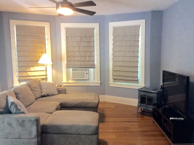 Downtown Saratoga 2bed1 bath Apt - Saratoga Springs - Appartement