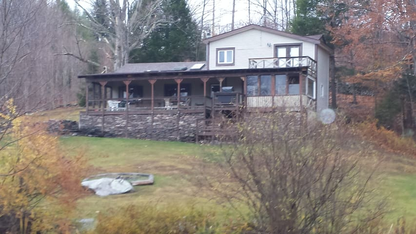 Furnished ski house-lake & mt views - Jewett - Hus