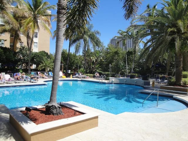 Beautiful Apartment in Aventura - Aventura