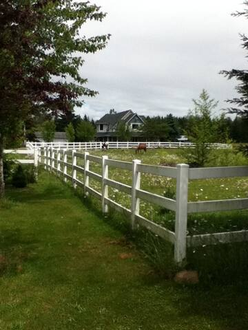 Majestic Acres - Eatonville - Hus