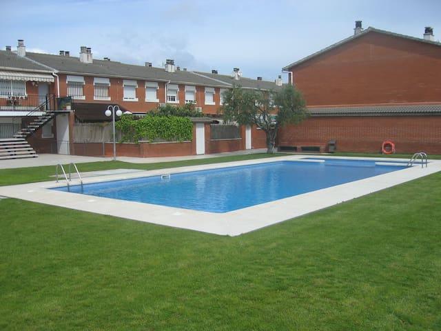Casa con piscina en la Costa Brava - Palafolls - Hus
