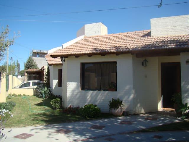 Alquiler Temporario Ana Cecilia - Puerto Madryn - Casa