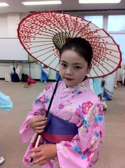 Free wearing beautiful Kimono and makeup