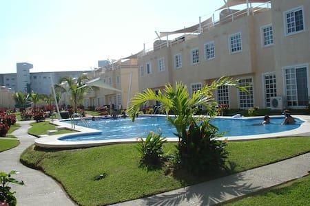 Agradable casa en Acapulco - Barra Vieja