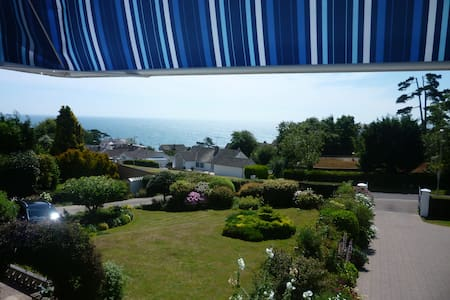 Room with a View + Beer Beach Hut - Seaton