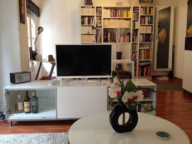 T2 lumineux bordeaux centre appartements louer for Appartement a louer bordeaux centre t2