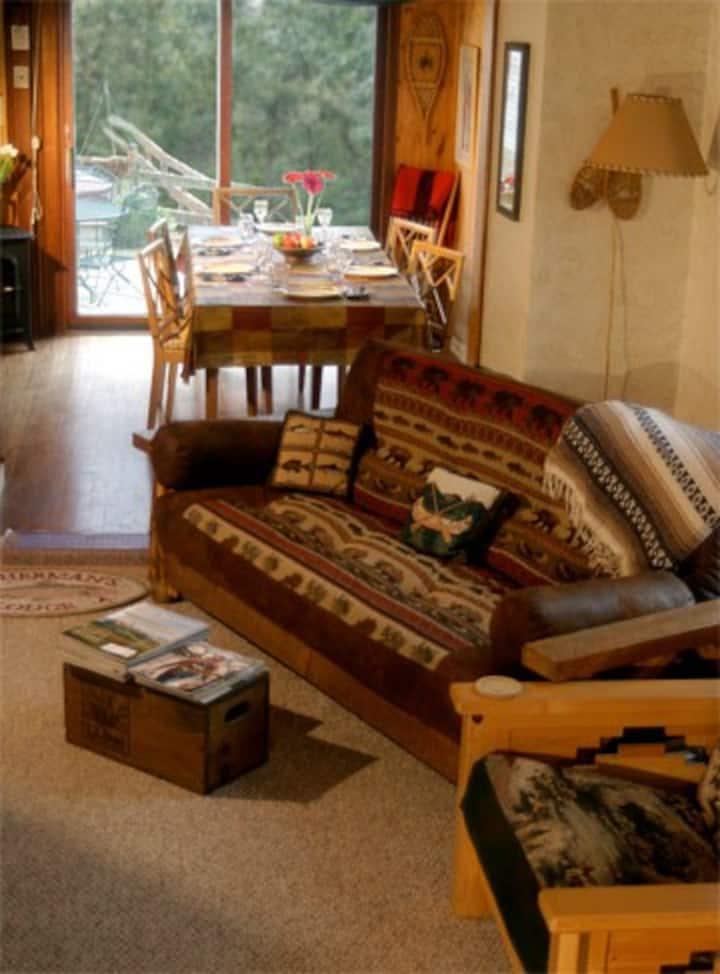 Kinni Creek Lodge & Outfitters LLC established Y2K