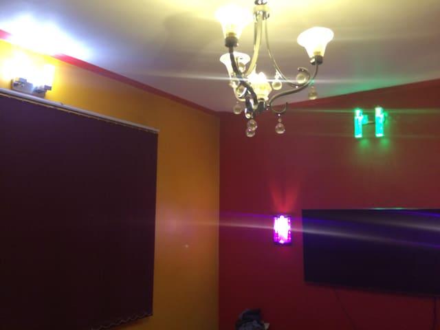 Modernhouse wid clean & tidy room - Patan - Ház
