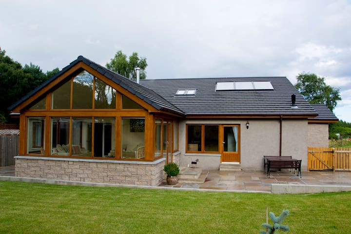 Dunvrichtin - Countryside Bungalow - Kintore - House