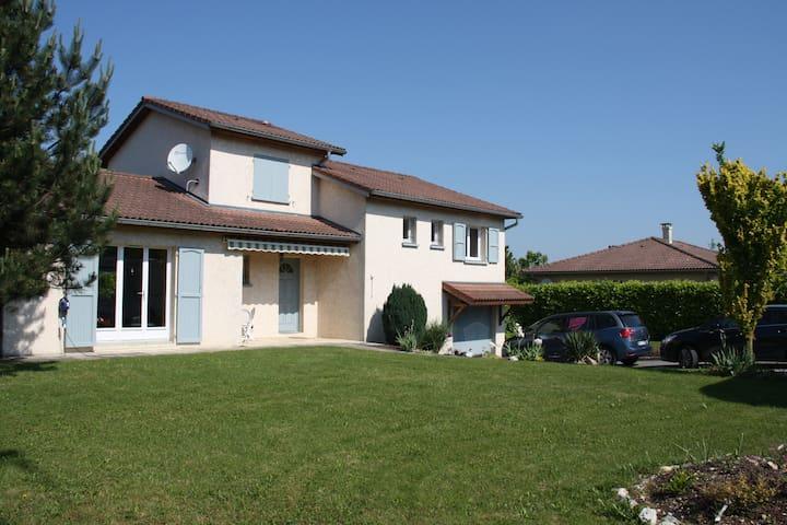 Chambre chez l'habitant - Saint-Jean-le-Vieux - Ev