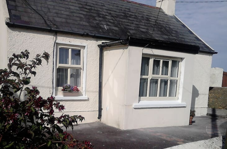 Hillside Cottage, Ballycotton - Ballycotton - Srub