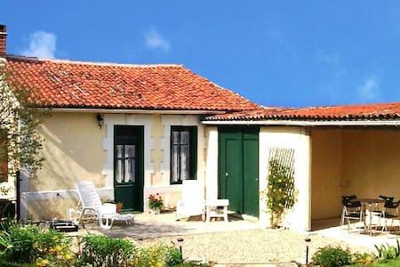La Petite Vigne - Vinax - Cabin