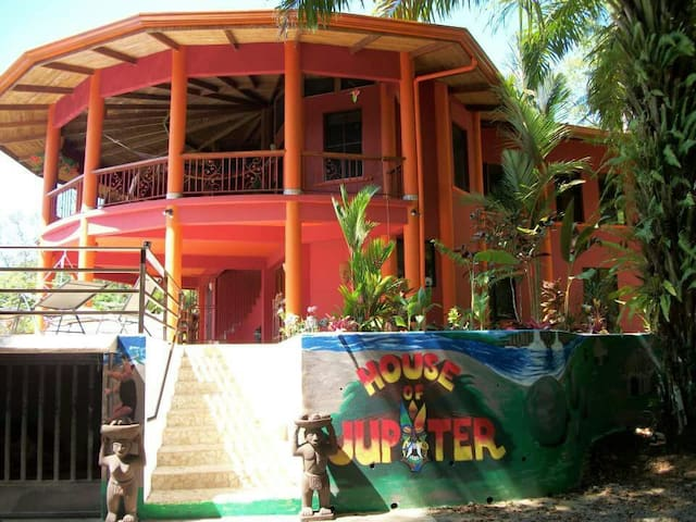 House of Jupiter entire home