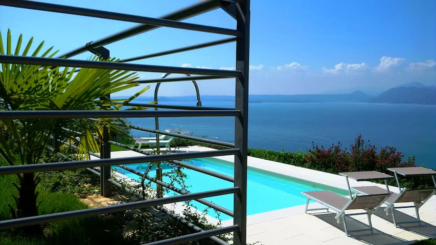 Apartment with pool and view - Torri del Benaco - Appartement