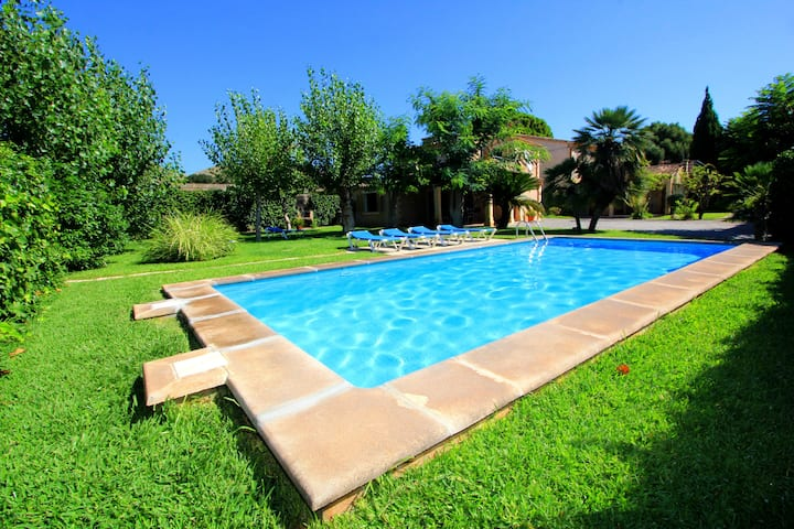 Villa with 2 private pools&Jacuzzi