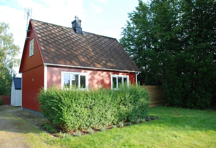 Small villa close to nature - Ljungbyhed - Villa