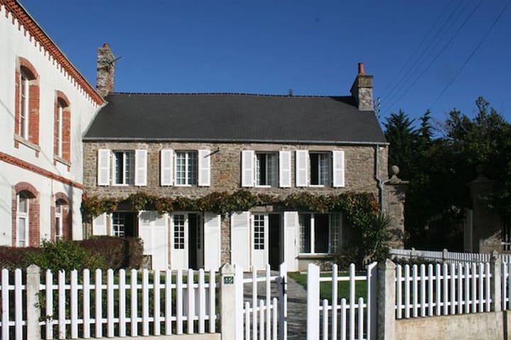 Maison face à la mer - Saint-Vaast-la-Hougue