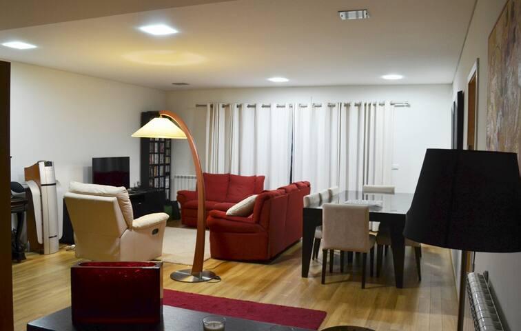 Big bedroom - Braga - Apartamento