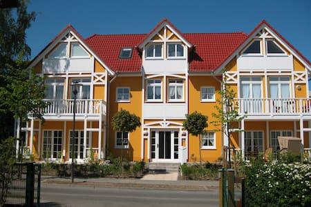 Wunderschöne Ferienwohnung in Kühlungsborn - Kühlungsborn - Apartment