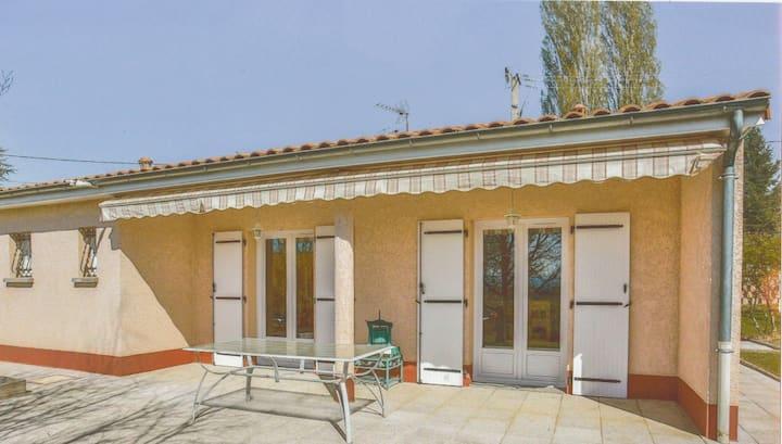 Maison à la campagne avec terrasse piscine et spa