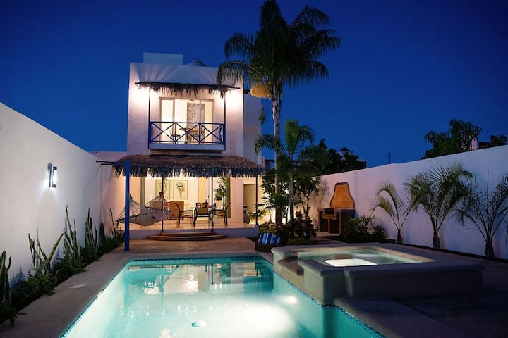 Casa Marysol: La Paz villa with a view of the bay