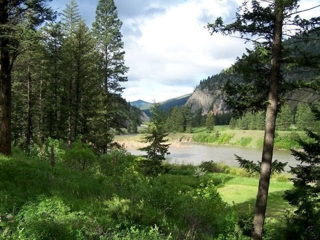 Blackfoot River Retreat - Missoula County