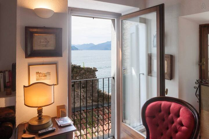 Charming apartment on the lake Como - Province of Como