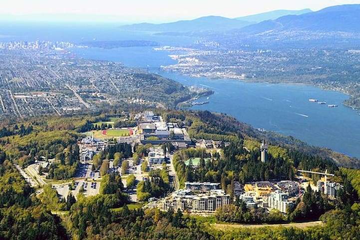 House on Coquitlam/Burnaby Boarder - Coquitlam - Bed & Breakfast