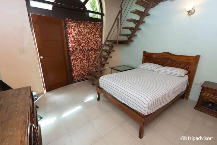 Hostal Zocalo, Habitación 18, Baño privado