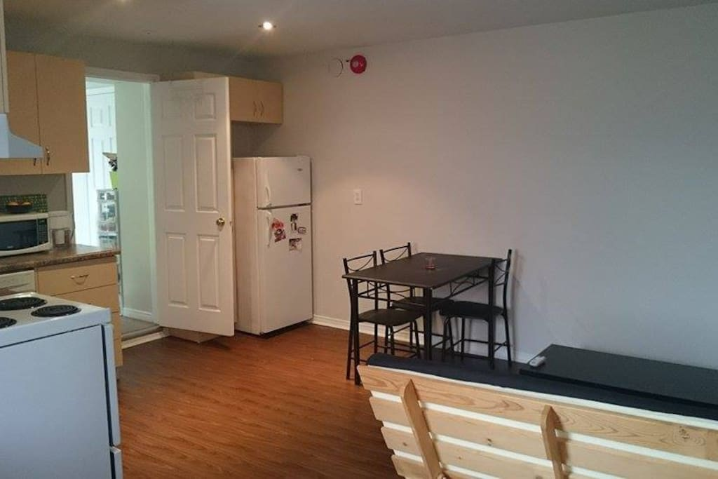 One Bedroom Apartment In The Annex Apartments For Rent In Toronto Ontario Canada