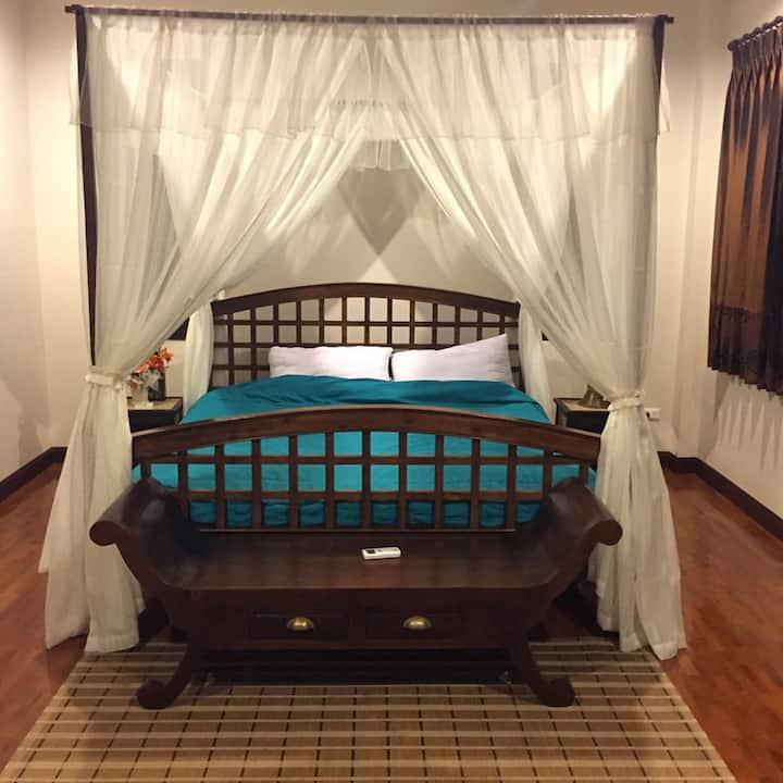 Franc&Fresh Home Stay : Hero room