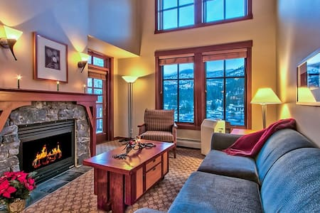 Village at Squaw Top Fl 1BR Ski-In, Ski-Out Views - Olympic Valley