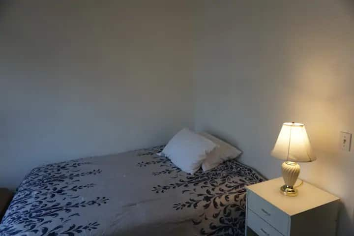 Chill Comfortable Room