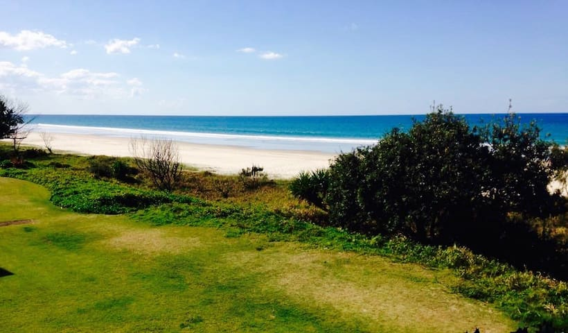 Tugun Beach Apartment Ocean Front - Tugun - Appartement