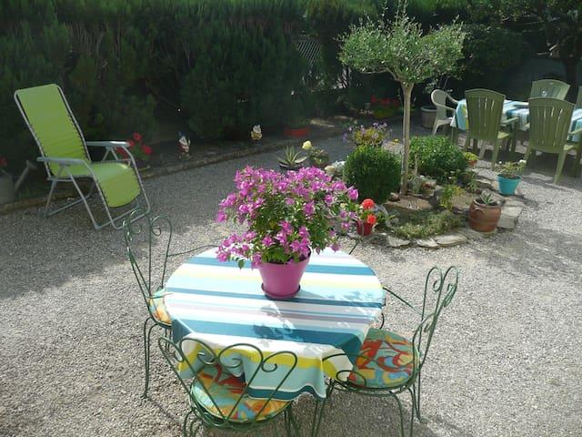 Chambre 2 pers proche lac/ville + petit déjeuner - Aix-les-Bains - Dom