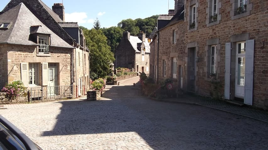 Lovely 2 Bed Apt near Dinan to rent - Léhon - Apartemen