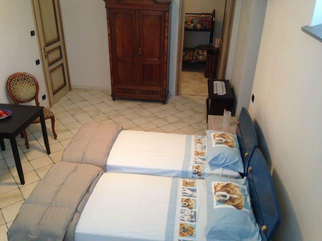 Summer room famigliare con piscina - Morona - Bed & Breakfast