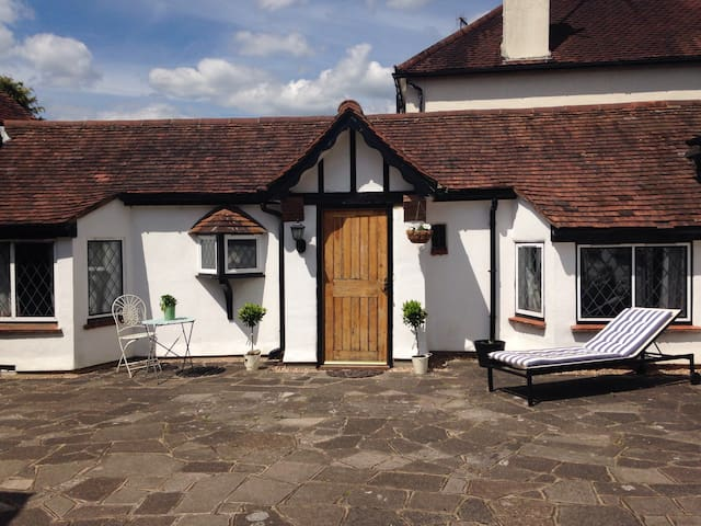 Cottage/Annex price incl. Breakfast - Rickmansworth - Bed & Breakfast