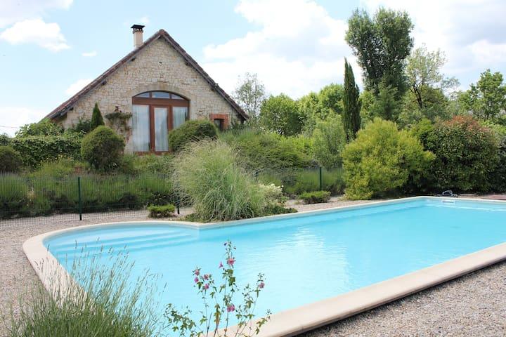 Chambres d'hôtes avec piscine à 15 min de Cahors - Francoulès - Bed & Breakfast