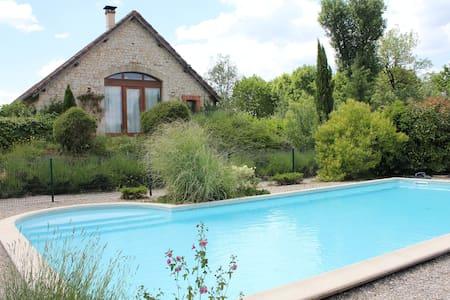 Chambres d'hôtes avec piscine à 15 min de Cahors - Francoulès