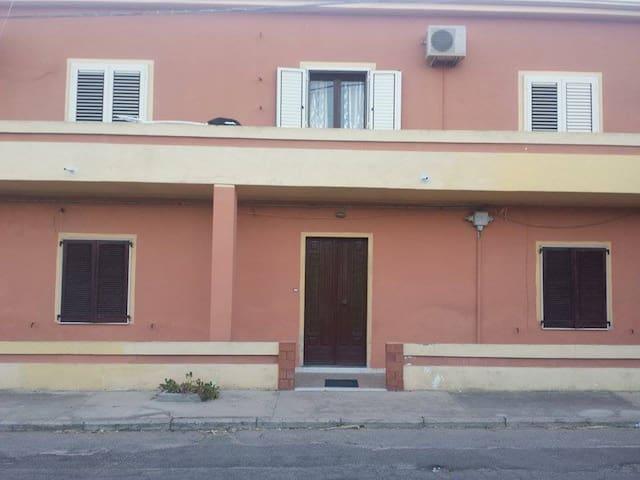 Casa indipendente a Matzaccara - San Giovanni Suergiu - Casa